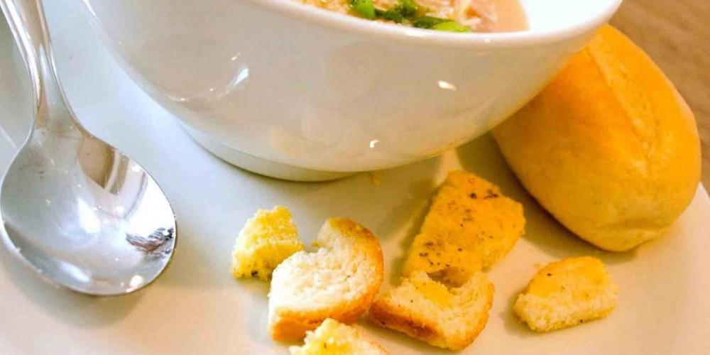 Buffet de sopas para aproveitar o friozinho de Porto Alegre
